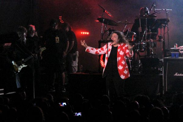 Weird Al Yankovic performs Canadian Idiot (because obviously) at Place des Festivals on Tuesday night.