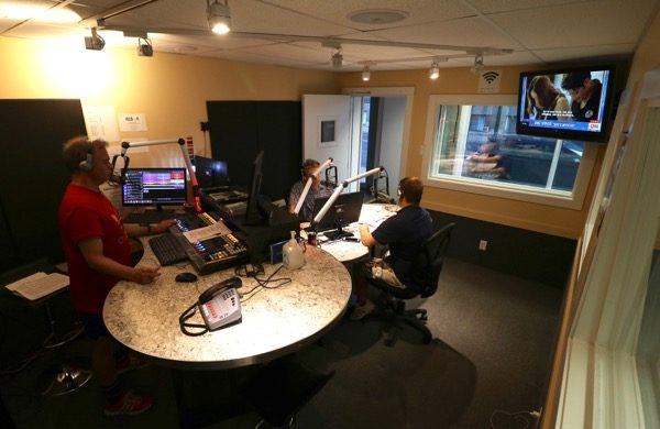 CFMB's ground-floor studio on Papineau Ave.