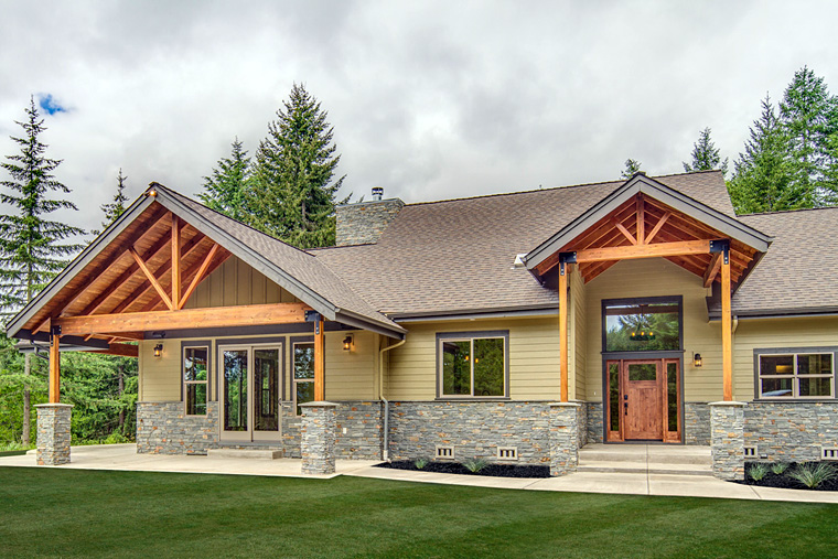 Craftsman ranch house plan with photos family home plans for 3 bedroom craftsman style house plans