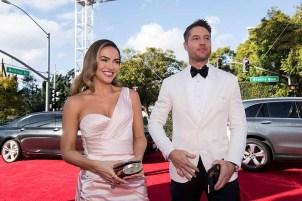 Golden Globe presenter Justin Hartley and Chrishell Stause