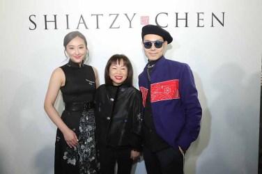 左起 香港女演員陳瀅、SHIATZY CHEN品牌創辦人暨設計總監王陳彩霞女士及香港知名造型師郭慶彬Ricky Kwok