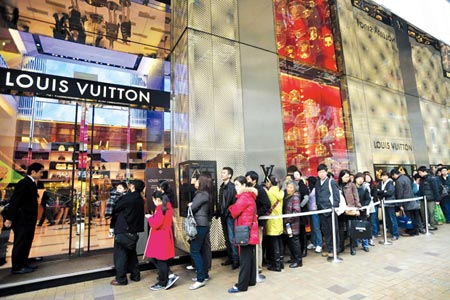 Chinese luxury consumption: between openness and communitarianism