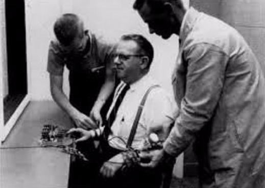 Les expériences de Milgram