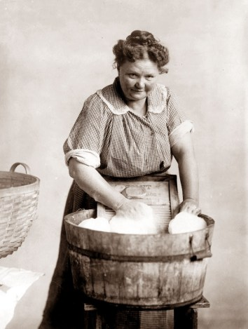 1890 photo of woman doing laundry by hand