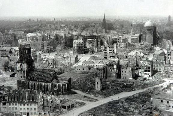 Hannover_bombing_1943-10-09