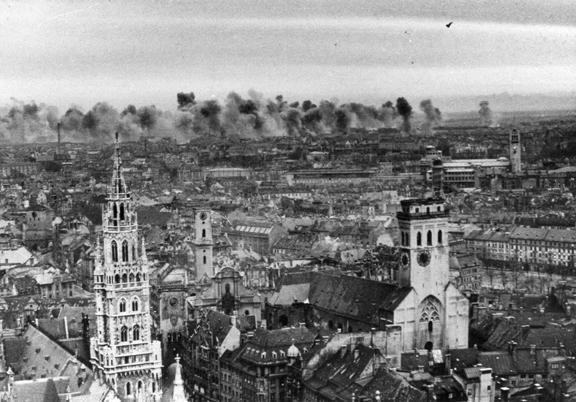Munich_carpet-bombing_foreground-st.peters-church