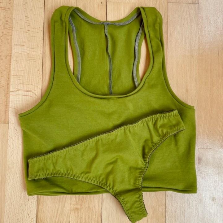Ein grünes Dessous-Set von Axis aus Baumwolle – FehrTrade