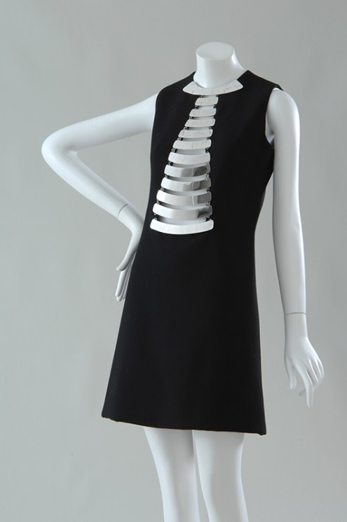 Pierre Cardin, mini dress, 1968. From Paris Refashioned.
