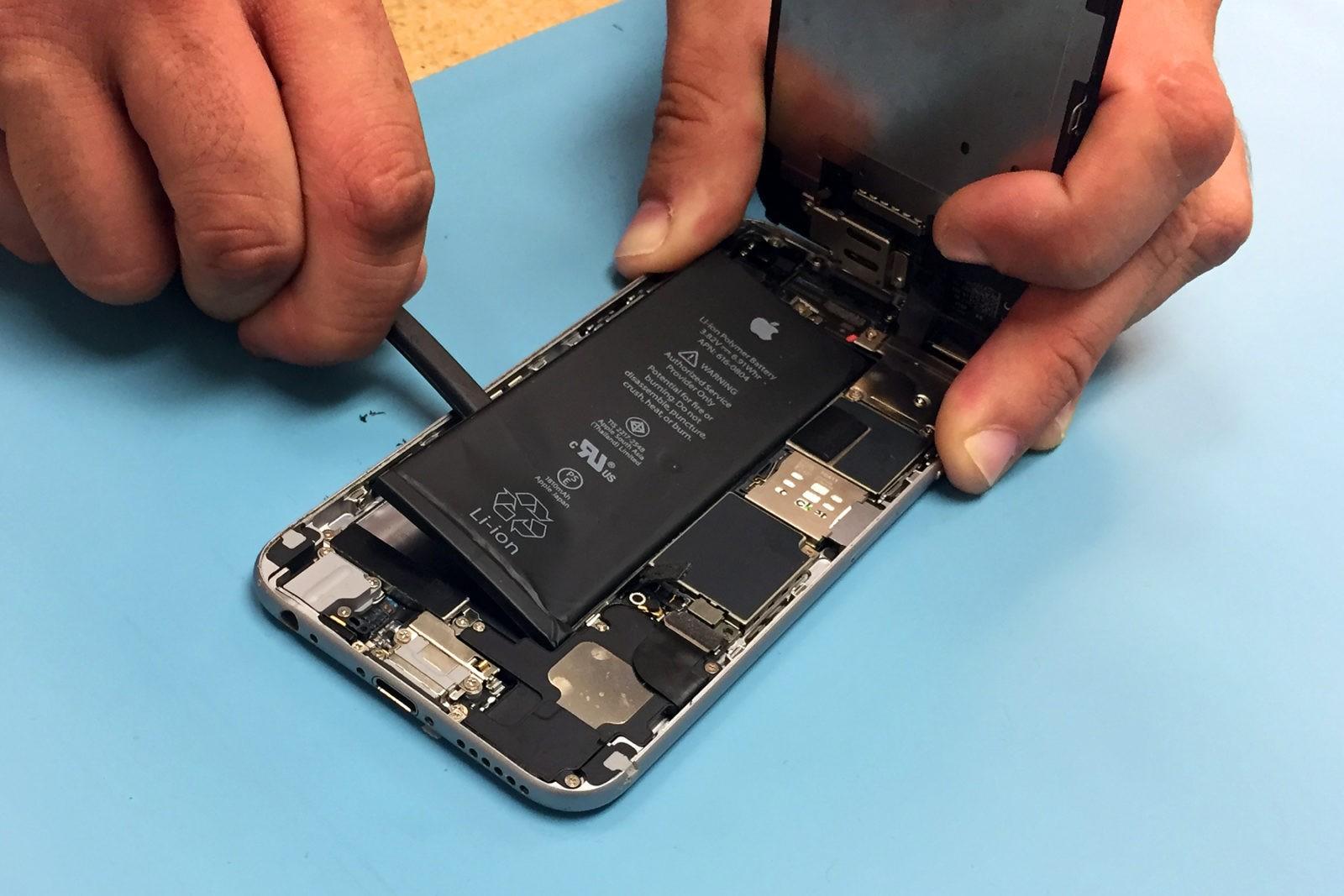 АСЦ Apple будут ремонтировать айфоны с неродными батареями | Fixed.one