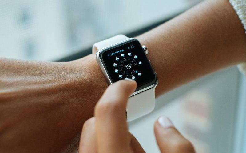 Os smartwatches estão cada vez mais desejados e o Apple Watch é o mais amado. Entenda porque.