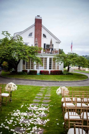 04Flora-Nova-Design-elegant-outdoor-wedding-seattle