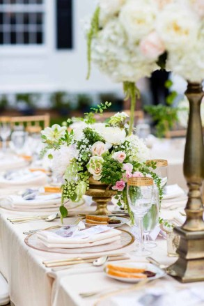 31Flora-Nova-Design-elegant-outdoor-wedding-seattle