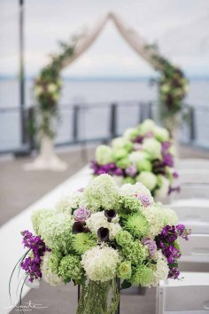 08Flora-Nova-Design-elegant-seattle-aquarium-wedding