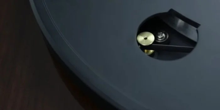 Direct Drive vs Belt Drive Turntable- Which is Better For Turntables?