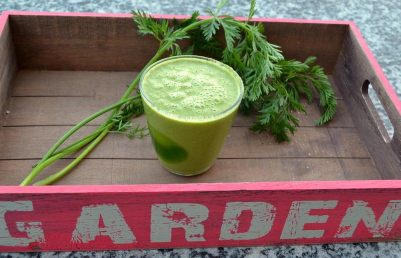 Big-Bunny-Smoothie – Grüner Smoothie mit Karottengrün und Schwarzkümmelöl