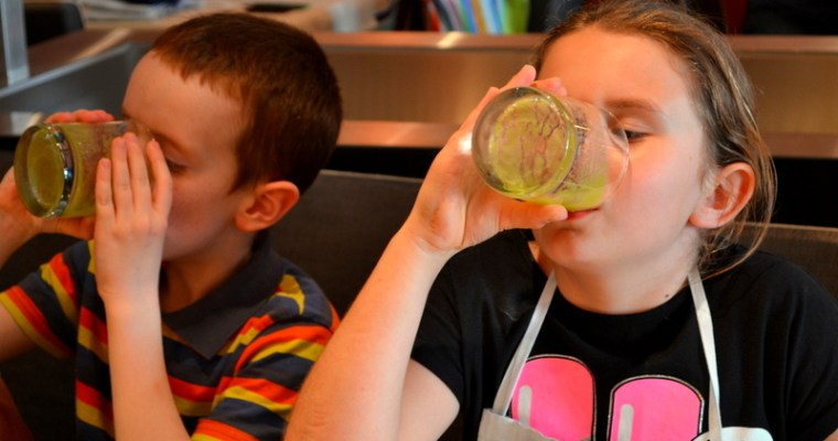 Grüner-Kinder-Smoothie – vegan – glutenfrei – roh – basisch
