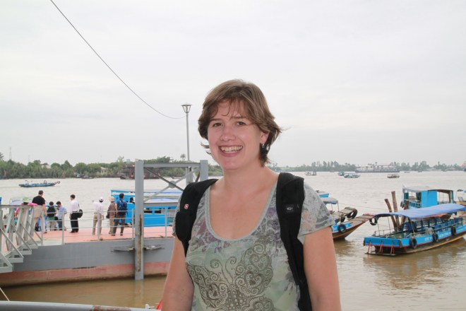 Stormy Peters of GNOME Foundation is getting on the boat tour