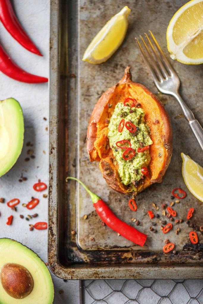 3. Gevulde zoete aardappel met guacamole