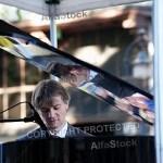 men_playing_piano_sjpg14276