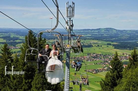 Abfart zur Buchenbergbahn und Sessellift zur Alm auf etwa 1140m Höhe