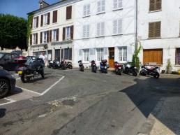 Arrêt à la Roche-Guyon