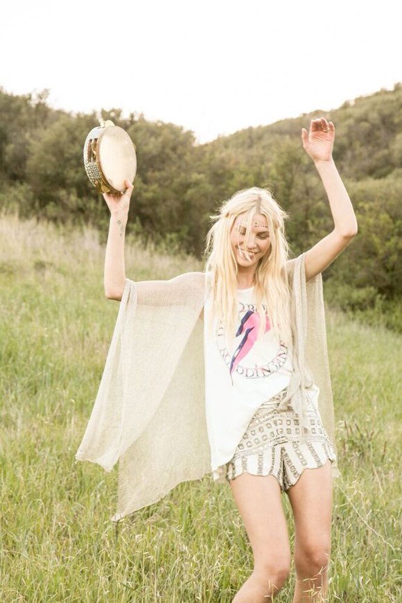 Post image for Model Aline Weber Curates the Ultimate Festival Playlist