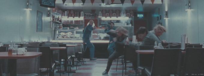 ハリーレストランで戦う