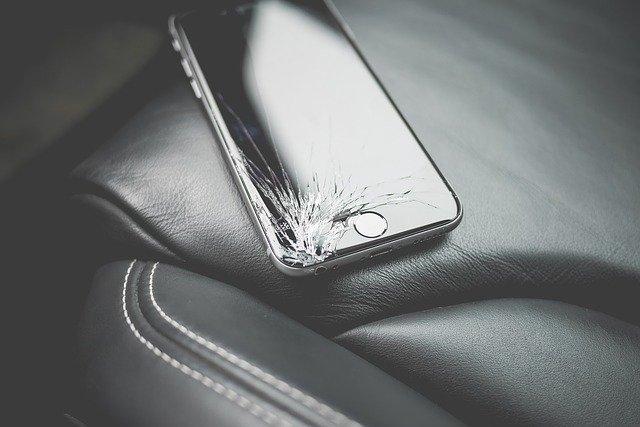 iphone cracked screen repair near me