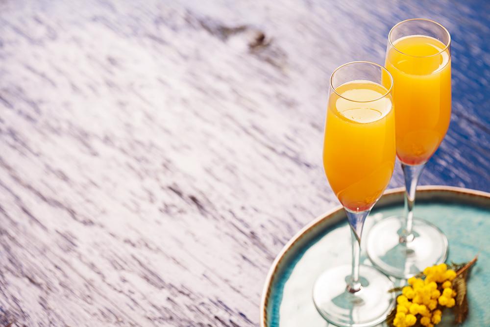 Peach Tea Bellini Cocktail Recipe