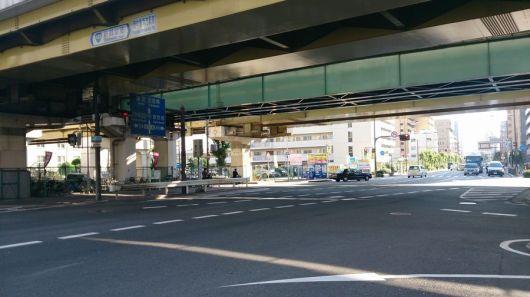 西中島南方駅前