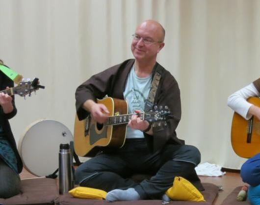 Mantrisches Singen mit Arno im Achtsamkeitszentrum