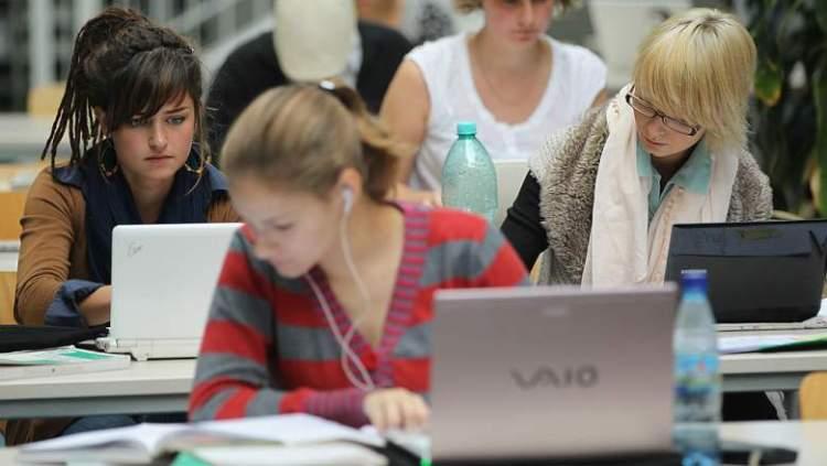 strategi mahasiswa baru laptop