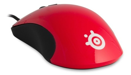 Souris Gamer SteelSeries Kinzu V2 Pro - Couleur rouge vue de dos
