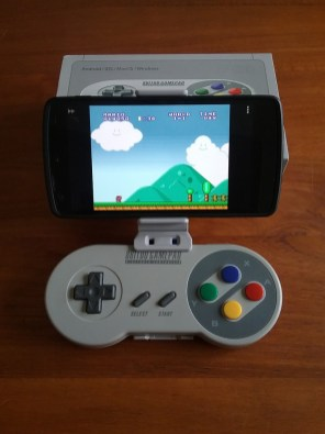 Test 8bitdo SFC30 SNES - manette Bluetooth/USB - Smartphone