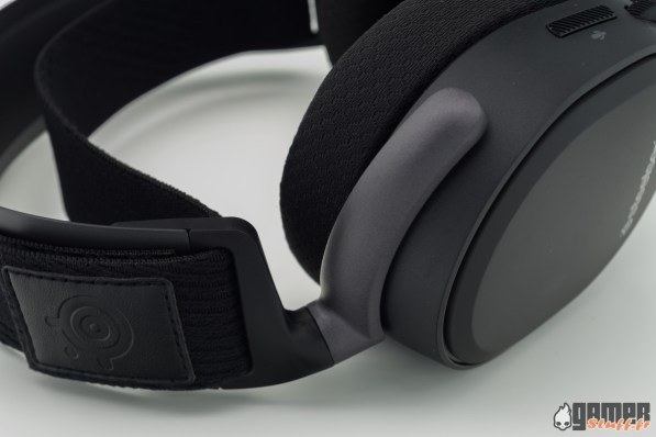 Steelseries-Arctis-Pro-Wireless-06