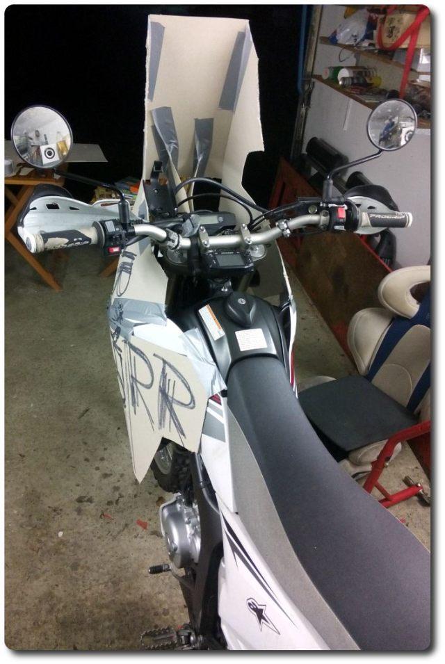 Yamaha WR250RR Kartonexperiment