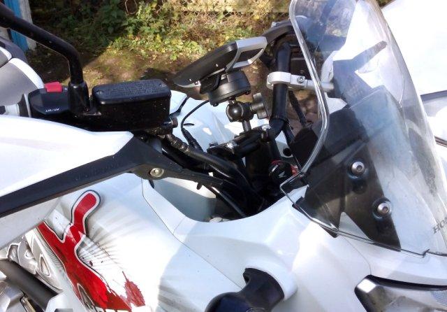 Tomtom Rider 400 an Honda NC700X