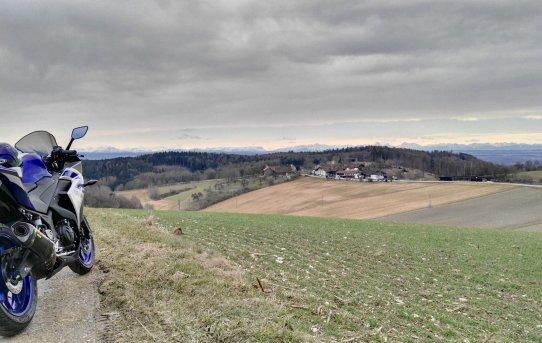 Blick von oberhalb Halmstein - Yamaha YZF-R3