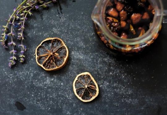 fresh herbal tea ingredients