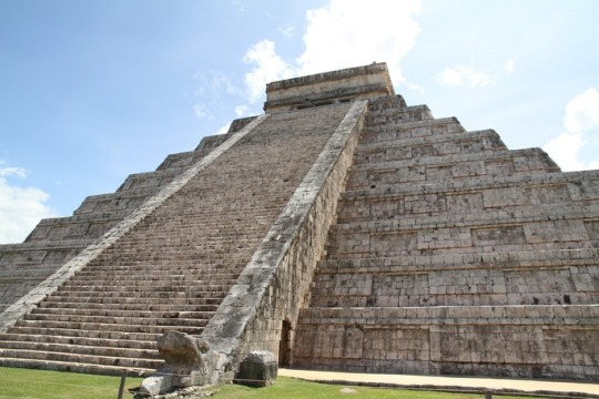 ancient mesoamerican pyramid