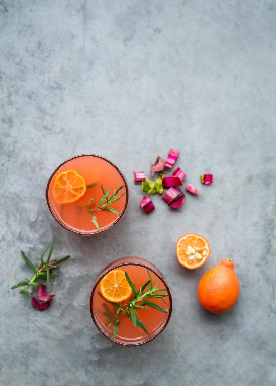 fizzy rhubarb cocktail