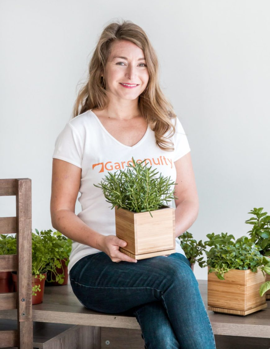 brie artur with herb box