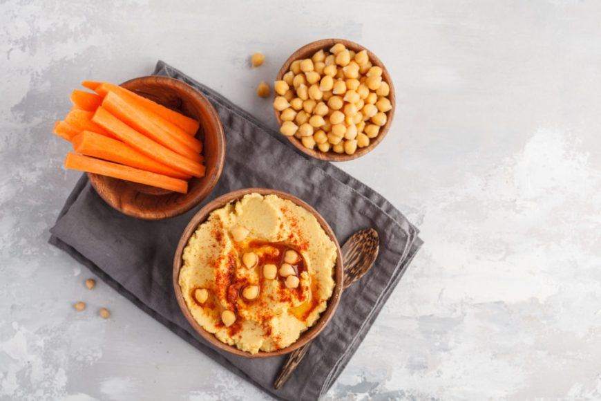 carrot hummus recipe with fresh chickpeas and carrots