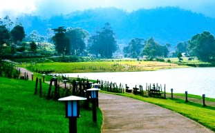 Gregory-Lake-Nuwara-Eliya-Sri-Lank-Day-Tours-GARI-Tours