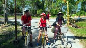 Bến Tre, bicyklom popri vodných kanáloch delta Mekongu