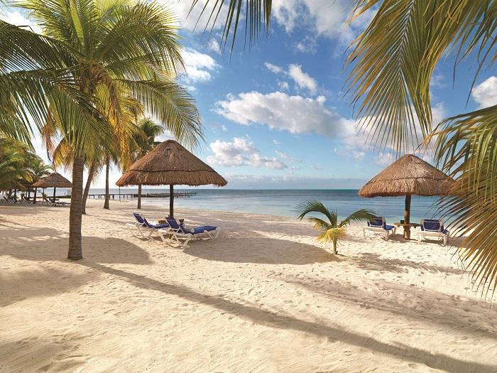 palace-beach-isla-mujeres