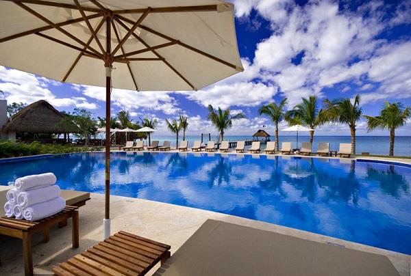 beachfront_pool