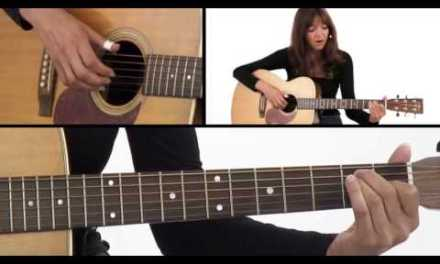 How to Play Fingerstyle A, D, & E Chords – Beginner Guitar Lesson – Susan Mazer