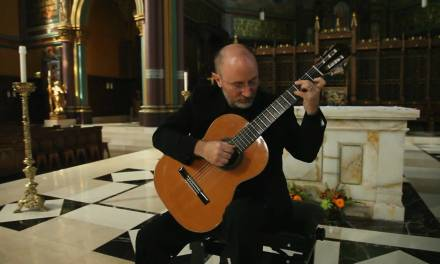 Ave Maria – Schubert (Michael Lucarelli, Classical guitar)