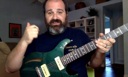 How to ACTUALLY USE a Pentatonic Scale For Blues Soloing.